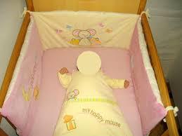 comment mettre un tour de lit bebe sommier en hauteur et tour de lit chambre de bébé forum