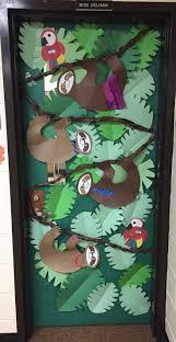 Christmas Classroom Door Decoration Pictures by Best 25 Jungle Door Ideas On Pinterest Jungle Classroom Door