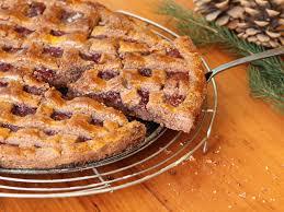 omas original linzer torte mit marmelade und haselnüssen