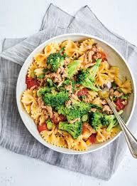 cuisiner du brocoli salade tiède de pâtes au thon et au brocoli ricardo