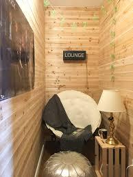 la chambre secrete comment cette maman a transformé un placard en une chambre secrète