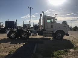 Used 2008 KENWORTH T800B Tandem Axle Daycab For Sale   #547400 Used 2007 Kenworth T300 Rollback Truck For Sale 5622 Used Trucks For Sale 2008 T800 Tandem Axle Daycab 550975 W900l Sleeper For Auction Or Lease Olive 2001 Talbert Ne2000 Trailer 556261 2015 Peterbilt 389 Tandem Axle Sleeper In 357 568228 2012 T660 562485