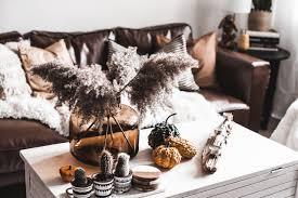 wohnzimmer herbstlich dekorieren so wird s gemütlich