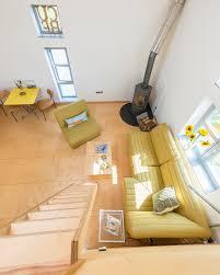 blick der galerie ins wohnzimmer mit bild kaufen
