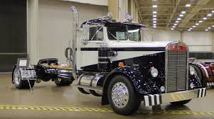 Video: Marty Glomb's 1955 Kenworth Conventional