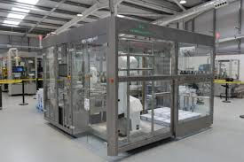 roboterzelle inspiziert und verpackt 36 000 spritzen pro