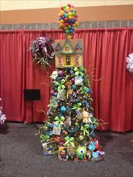 Diy Nightmare Before Christmas Tree Topper by Best 25 Disney Christmas Trees Ideas On Pinterest Disney