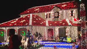 Christmas Tree Lane Fresno by Sanger Family Competes For 50 000 On U0027the Great Christmas Light