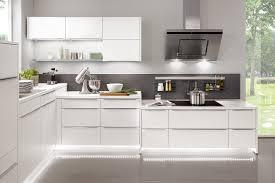 Moderne Weisse Küchen Bilder Moderne Küchen Gestaltungs Und Planungstipps