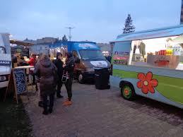 File:Włocławek-Christmas Fair, Food Trucks.jpg - Wikimedia Commons
