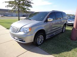 2014_Chrysler_Town_Country_Amerivan_06 - Kansas Truck Equipment Company