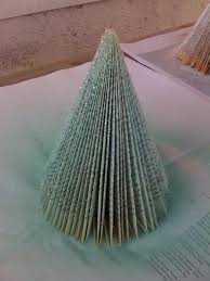 Christmas Tree Books Diy by How To Turn Paperback Books Into Cheap Chic Christmas Trees Diy