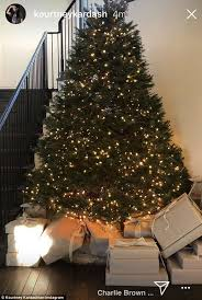 Are Christmas Trees Poisonous To Dogs Uk by Kardashian Christmas Trees Daily Mail Online