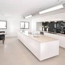 decorer cuisine toute blanche 4 styles déco pour une cuisine blanche ilot central ilot et central