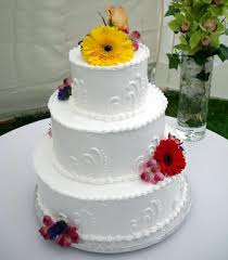 Elegant White Wedding Cake Decoration With Artistic Lace bined With Beautiful Red And Yellow Wedding Cake Decorations Flowers White Table