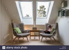 modern retro design in einem dachgeschoss loft kleine