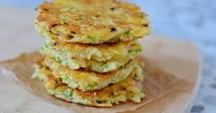 cuisiner le manioc galettes de manioc au salers recette par le monde de milan