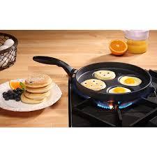 poele a pancake induction à oeufs pochés et pancake induction 26 cm swiss