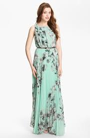 formal maternity maxi dresses to wear in formal function