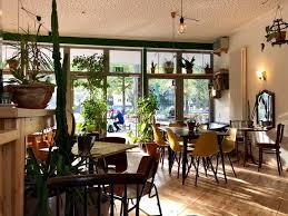 tolle wohnzimmer atmosphäre grüner salon dortmund
