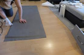 wohnzimmer gestalten modern grau weiß beton resimdo