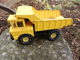 How You Know You're A Child Of The '70s: Metal Tonka Trucks! | Shawn ... Old Metal Tonka Truck Toodle Loo Auctions Large Toys Vintage Toy Dump Trucks Ambulance A Fire Trucki Ardiafm 1970s Truck Wikipedia Metal Diecast Body Firetruck Police Vehicle 48 Listings 8pc Lot Of Engine Van Semi Large Yellow Metal Tonka Toys Tipper Truck Youtube 1970 2585 Hydraulic Puget Sound Estate 26 Trucks