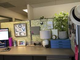 Cute Ways To Decorate Cubicle by 355 Best Office Cubicles Inspirations Images On Pinterest Office