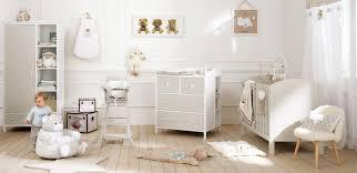 chambre bébé blanc chambre de bébé blanche et taupe journal des mamans com