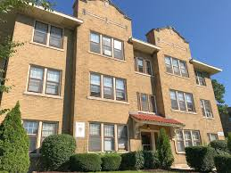 100 Coronet Apartments Milwaukee 3456 N Oakland For Rent