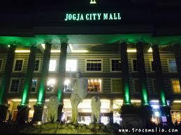 Nih Penampakan Nya Biar Nggak Salah Mengunjungi Mall Yang Lain Saya Bela Belain Foto Dari Depan Dengan Muka Lepek Dan Bawaan Seabrek Jakarta