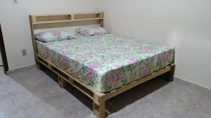 diy easy to install pallet platform bed 101 pallet ideas