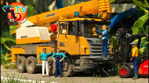BRUDER Truck LKW Scania Crane Car Wash | Video For Kids - YouTube Bruder Mb Arocs Cstruction Truck With Crane Clamshell Buckets And Nz Trucking Scania R Series Magazine Rseries Liebherr Crane Truck Light Sound Module Vehicle Toys By Bruder Trucks 03570 Walmartcom Arocs With Accsories 3570 Charlies Direct Mack Granite 02818 The Play Room Toy Educational My Lifted Ideas