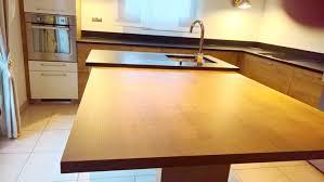 cuisine bois et mariage bois et granit dans votre cuisine granit andré