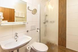 badezimmer beispiel standard zimmer picture of gasthof bad