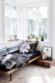 Living Room Empty Corner Ideas by Best 25 Cozy Reading Corners Ideas On Pinterest Reading Corner