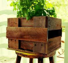 Dishfunctional Designs Creative Ways To Use Pallets Outdoors In