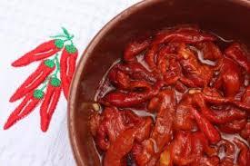 cuisiner les poivrons rouges poivrons rouges marinés aux anchois recettes de cuisine espagnole