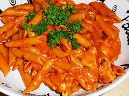 pates au blanc de poulet pâtes au poulet et sauce à la vodka les recettes de virginie