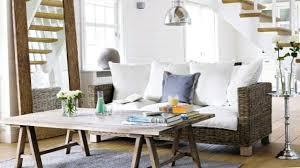 natürliche farben machen das wohnzimmer weicher im detail