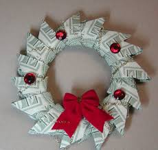 Money Wreath This Is Absolutely Adorable Theres A Video Tutorial To Show You How Fold 15 Bills Into