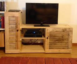 Trendy Pallet Wood Project Plans 5 Creative DIY Entertainment Centers Room Amp Bath