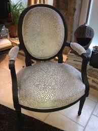 relooking fauteuil louis xv 3 fauteuils louis xvi après restauration et retapissés atelier