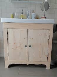 selbstgemachter badezimmer unterschrank aus holz