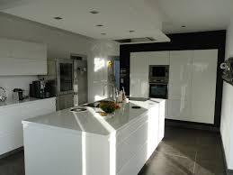 cuisine ilot cuisine blanc laque avec ilot 12 design blanche systembase co