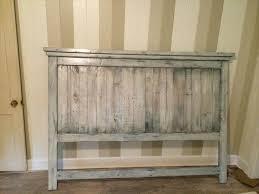 DIY Pallet Wood Farmhouse Style Headboard
