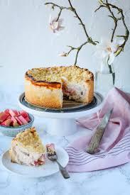 rhabarberkuchen mit streusel à la käsekuchen