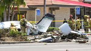5 Killed In Plane Crash In Parking Lot Of Santa Ana Shopping Center ...