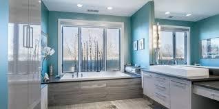 badezimmer streichen mit wandfarbe blau farbgestaltung mit