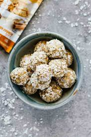 EASY Cinnamon Crunch Protein Bites