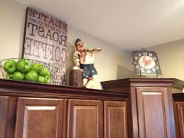 Primitive Decor Kitchen Cabinets by Cabinet Kitchen Decor Above Cabinets Ideas For Decorating Above